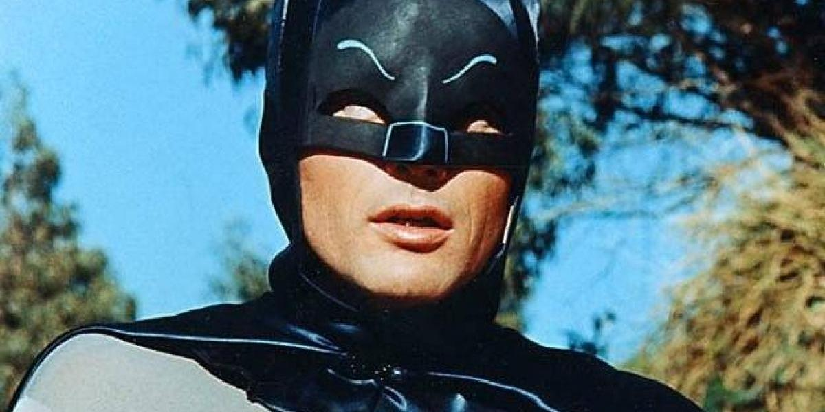 Creador de Family Guy rinde tributo a Adam West