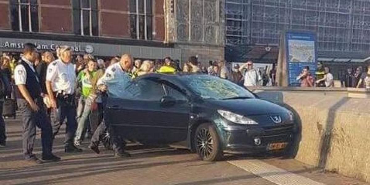 Ámsterdam: Al menos 8 heridos tras atropello masivo a peatones