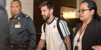 Messi vuelve a Barcelona para rematar su renovación.