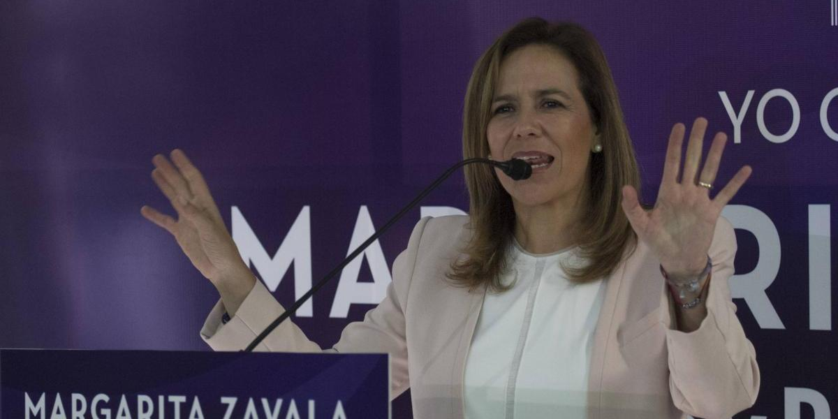 Increpan a Margarita Zavala en evento de su gira