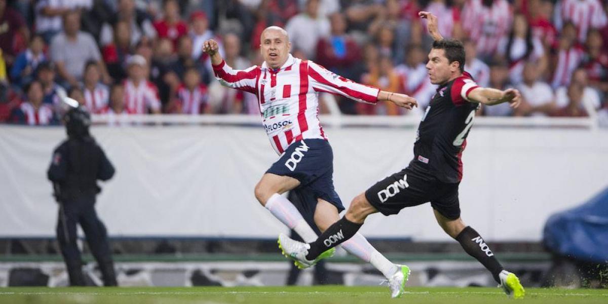 """""""Bofo"""" Bautista presume playera con la que se jugará en su homenaje"""