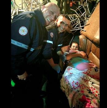 Durante un baby shower, bomberos asistieron un parto en una discoteca