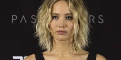 Jennifer Lawrence casi se accidenta en un jet privado