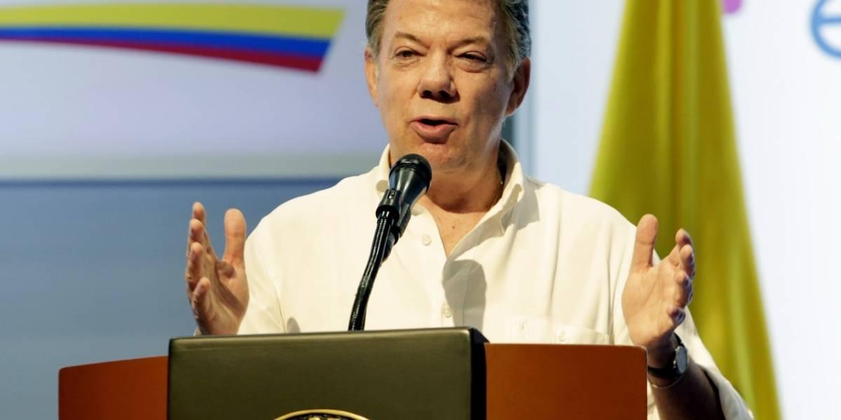 Santos dice tras desarme de las Farc nuevo enemigo de Colombia es la pobreza