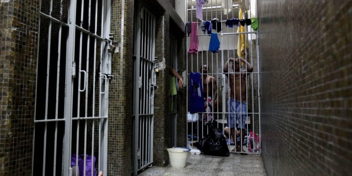 Cuarenta detenidos se fugaron de URI en Bogotá