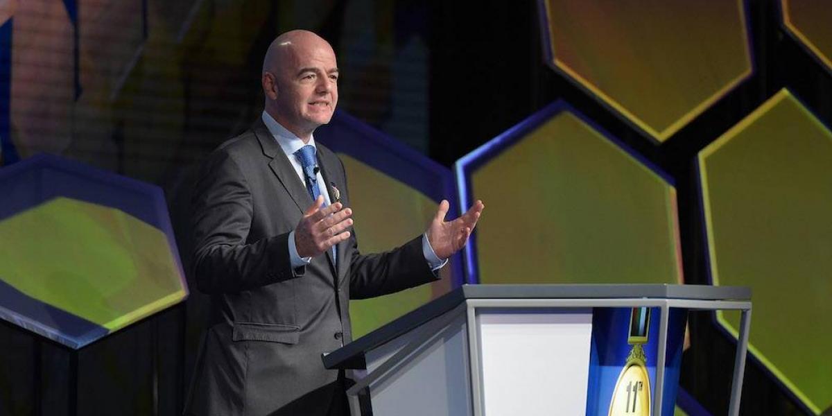 Presidente de la FIFA asegura que Qatar 2022 no corre riesgo