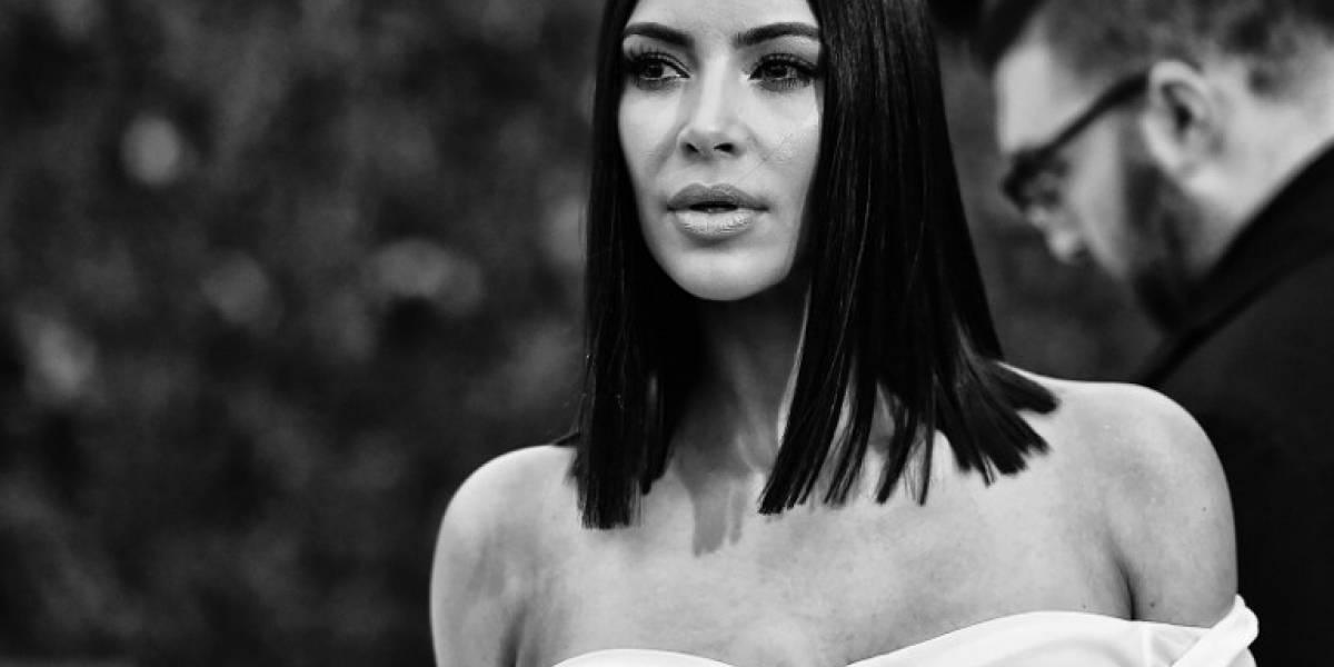 Kim Kardashian deja atrás la polémica de las fotos sin retoque al presumir sus curvas en bikini