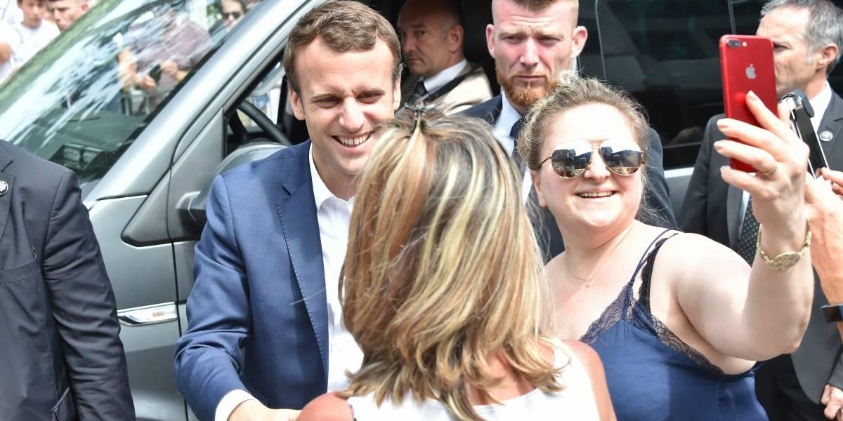 Macron se encamina hacia una holgada mayoría en elecciones legislativas en Francia
