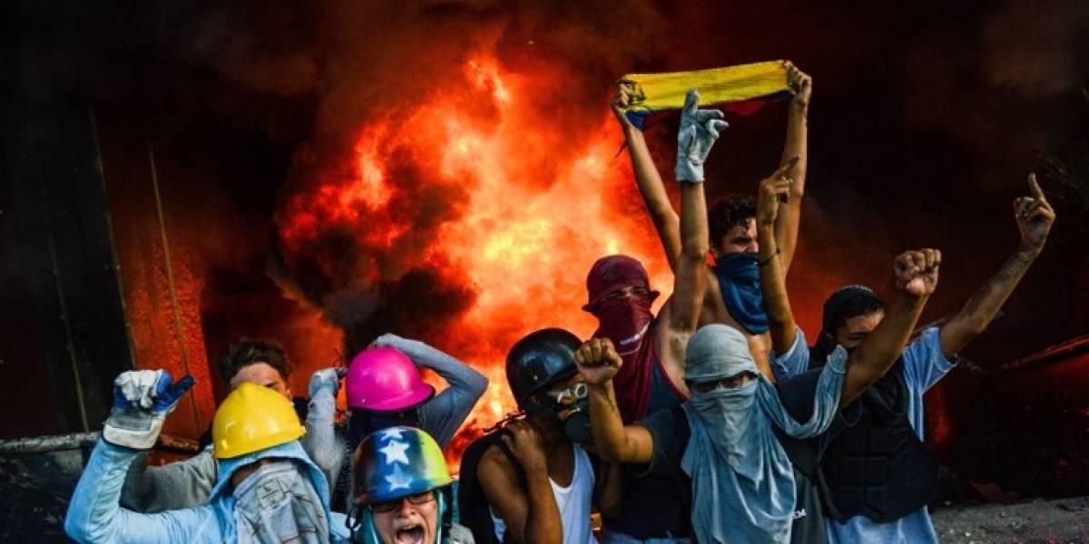 Crisis en Venezuela: Manifestantes prenden fuego a edificio del Poder Judicial