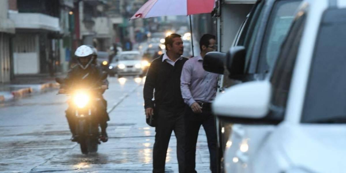 Autoridades continúan en alerta por lluvia