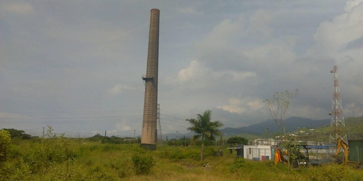 En Yumbo, chimenea térmica más grande de Colombia se negó a implosionar