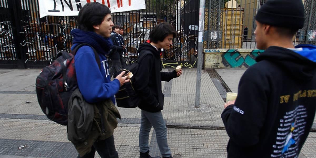 Nueva toma en el Instituto Nacional: 15 alumnos ingresaron de madrugada