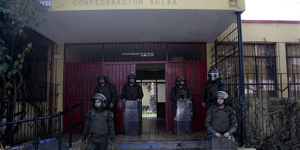 Once detenidos deja desalojo de nueva toma en el Liceo Confederación Suiza