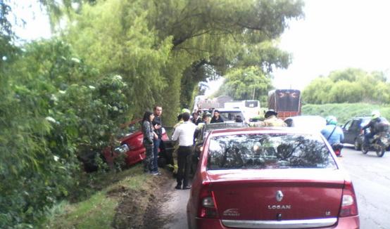 Accidente en la Autopista Norte causa tráfico represado