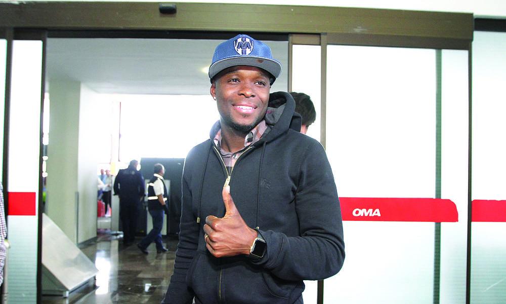 El jugador llegó a Monterrey y realizará los examenes médicos este martes. Israel Salazar