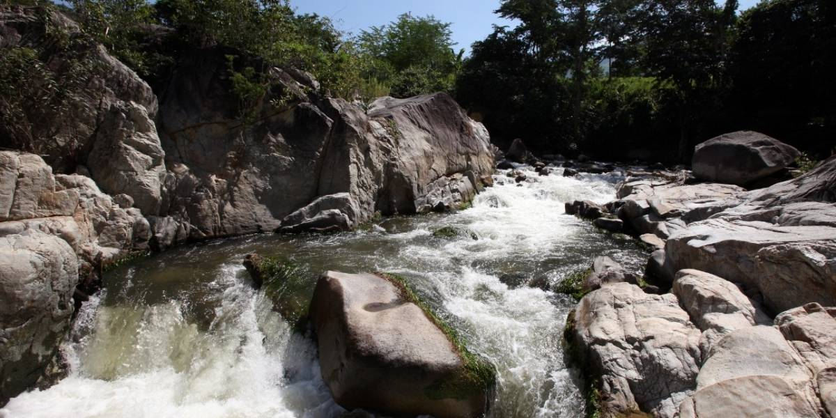 Menor desaparecida tras creciente súbita en río de Cundinamarca