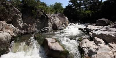 Creciente súbita en río de Cundinamarca deja una menor desaparecida