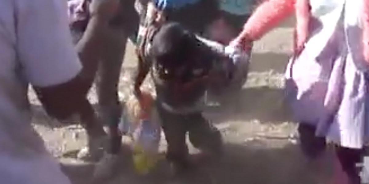 Desata polémica video de niños presuntamente borrachos en fiesta en Perú
