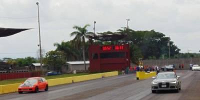 La velocidad y la adrenalina se hizo sentir durante la competencia.