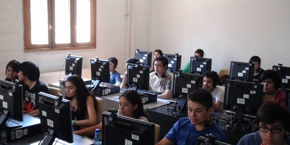 Biblioredes de Dibam abrirá 10.000 nuevos cupos para aprender a programar gratis