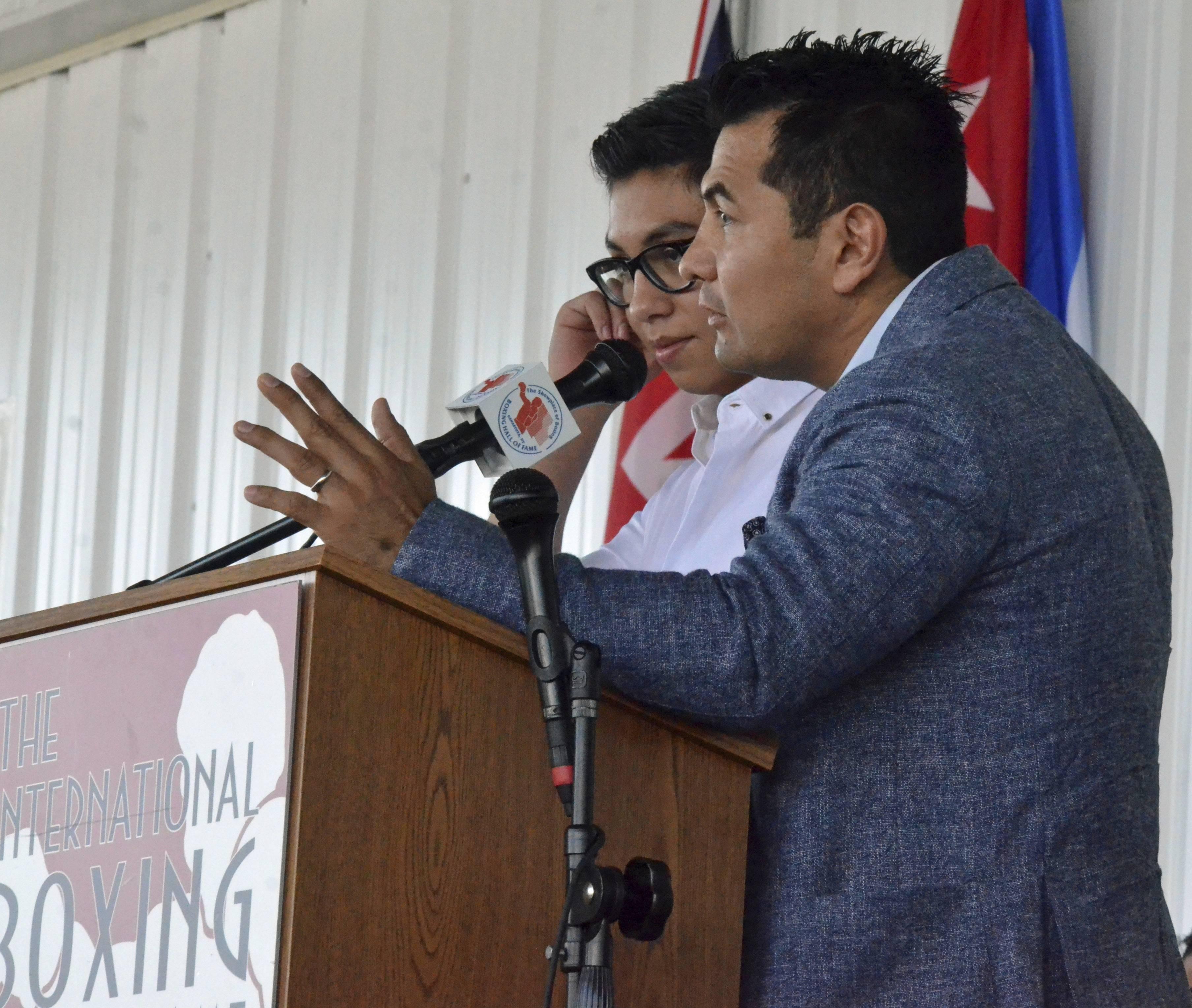 Barrera dio un emotivo discurso. / AP