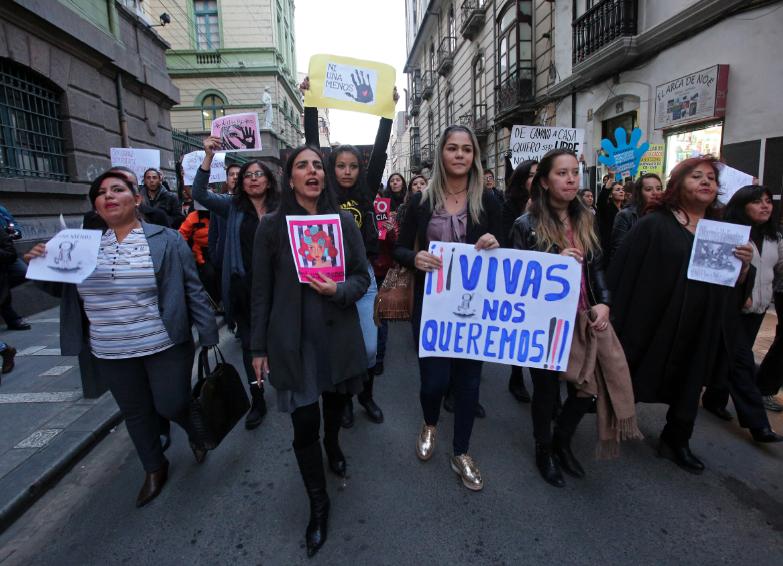 """A nosotras nos quieren acabar"": Madre de mujer asesinada en Bogotá"