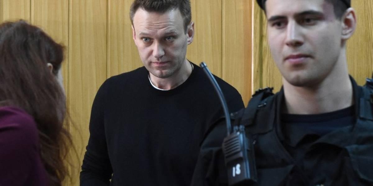 Detienen a opositor ruso antes de manifestación en Moscú