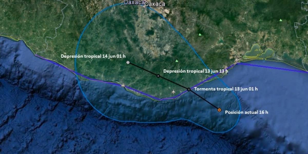 Tormenta tropical Calvin toca tierra en Oaxaca