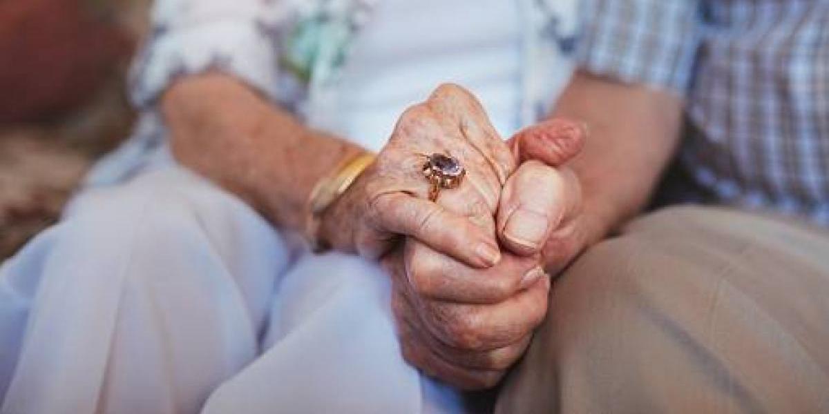 AARP lanza campaña sobre efectos del presupuesto en adultos mayores