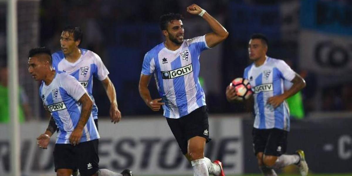 Defensa uruguayo se transforma en el segundo refuerzo de Unión Española