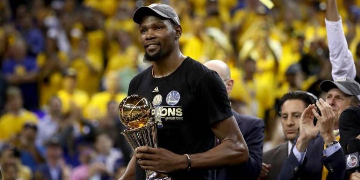 """La emoción del MVP Kevin Durant: """"Mamá, te lo dije cuando tenía ocho años, iba a ser campeón"""""""