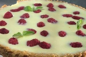 Conquista a tu familia con este delicioso cheesecake de frambuesa