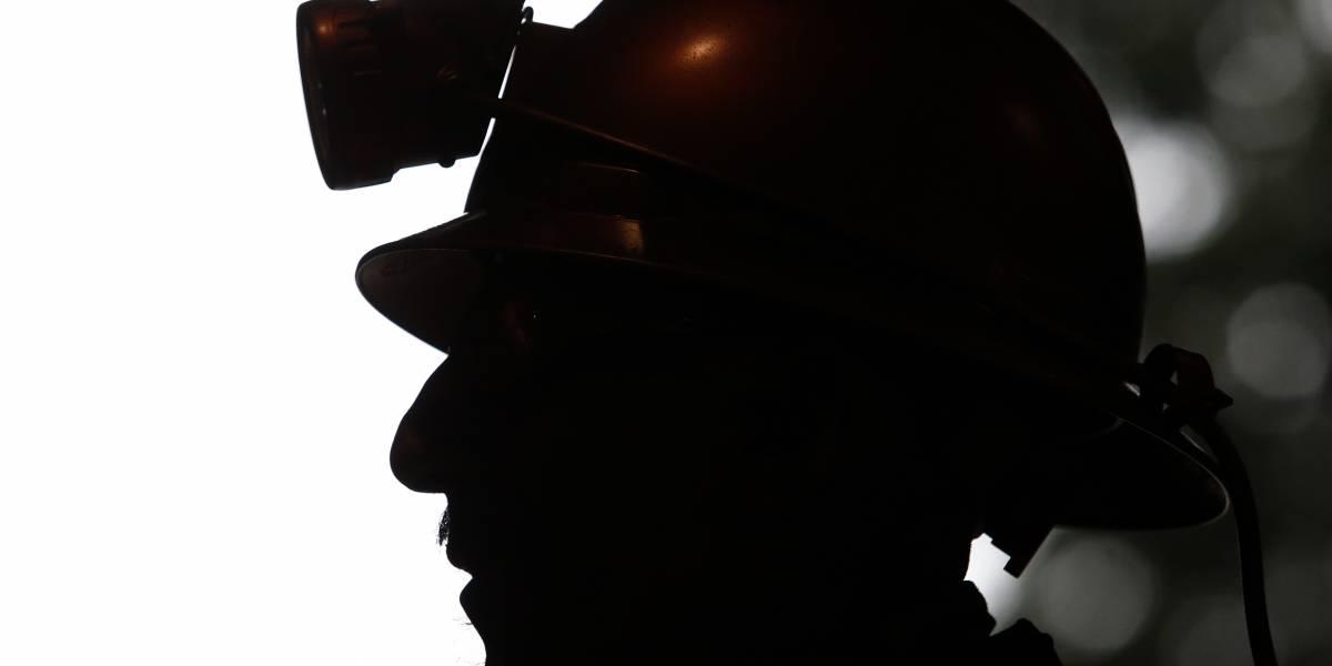 Autoridades coordinan trabajos para rescate de mineros atrapados en Chile Chico