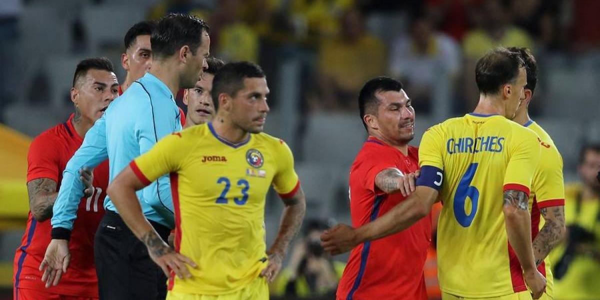 No aprende: Gary Medel sumó su cuarta expulsión en la selección chilena