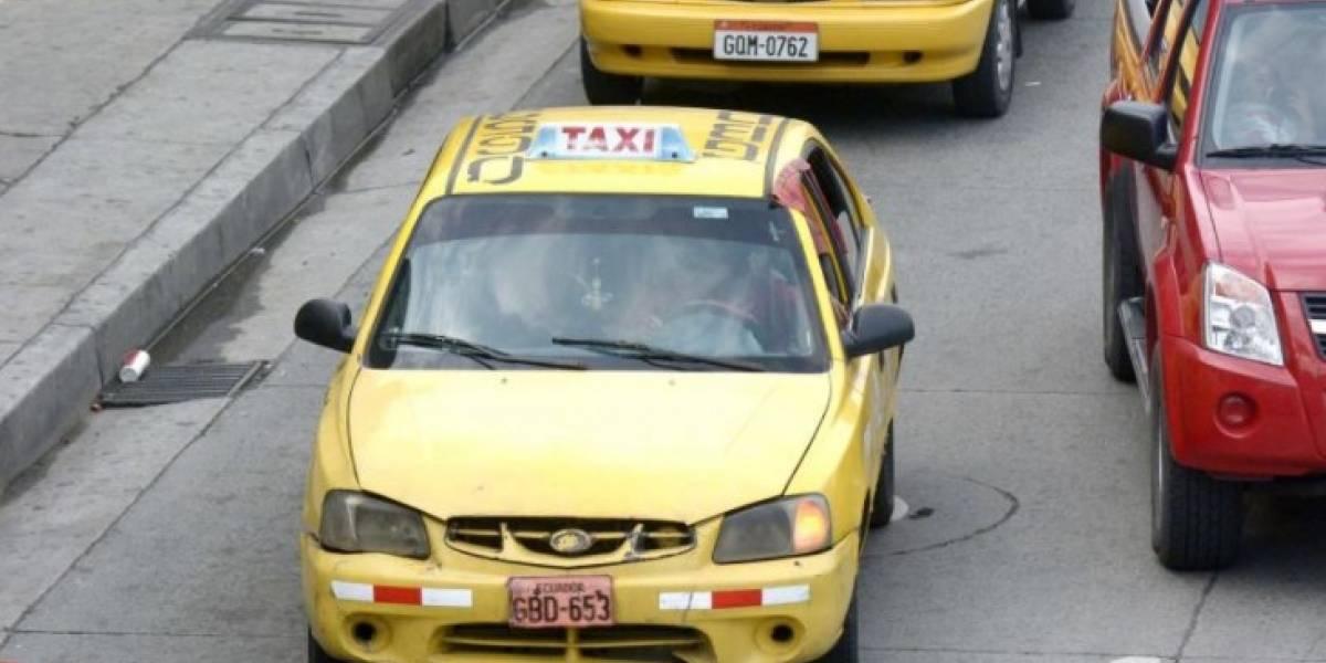 Taxistas informales se paralizan en Quito