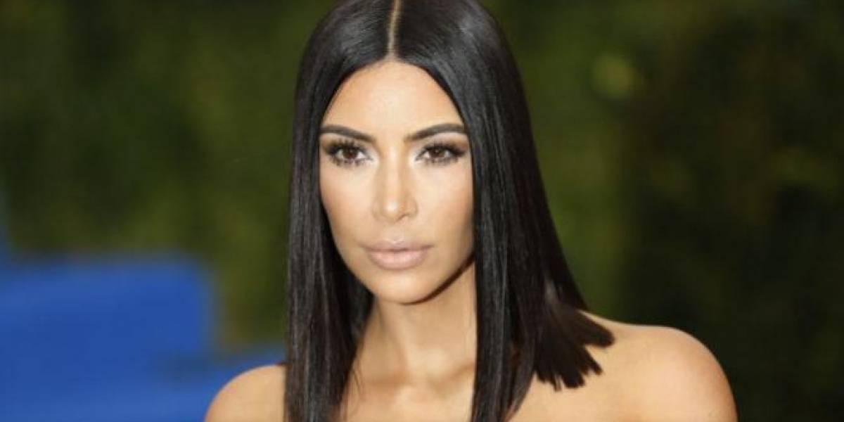 Kim Kardashian impacta en diminuto bikini