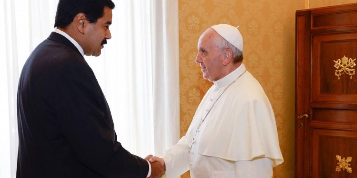 """Maduro pide al Papa evitar que oposición utilice niños en protestas """"violentas"""""""