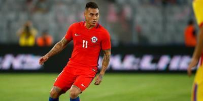 Chile derrota 2-0 a un aguerrido Camerún — Copa de Confederaciones