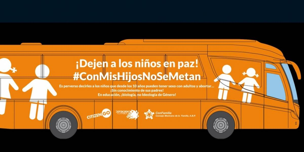 Polémico bus español contra 'trans' llega a México