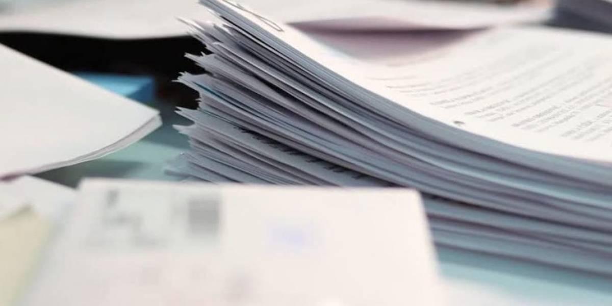 Gobierno hace entrega parcial de documentos y pide auxilio federal, otra vez