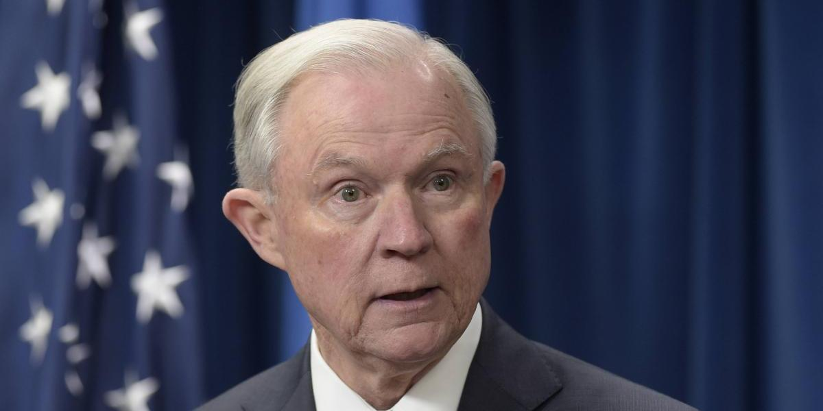 Sessions rendirá testimonio sobre contactos con Rusia