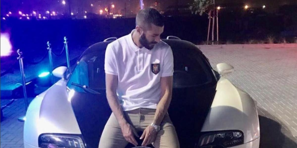 VIDEO. Benzema se graba dentro de un carro de policía de Dubái