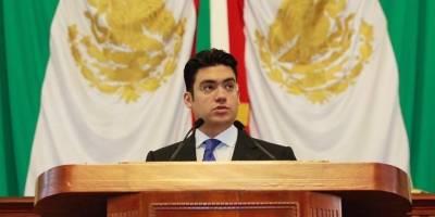 'Frente por la Dignidad de Coahuila' rodea edificio del IEC
