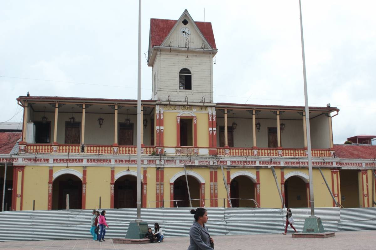 Antiguo Edificio Municipal San Pedro / Aroldo Marroquín
