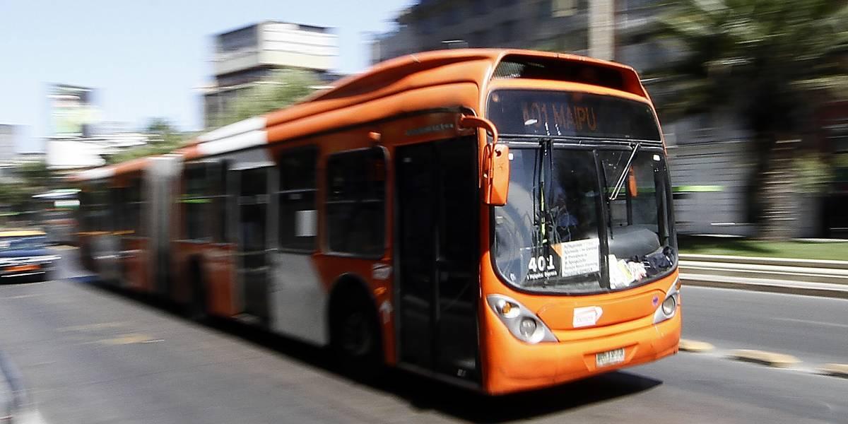 Expertos evalúan un posible ingreso de Metro como operador del Transantiago