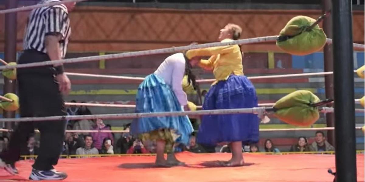 """""""Cholitas luchadoras"""", la novedad en el pancracio"""