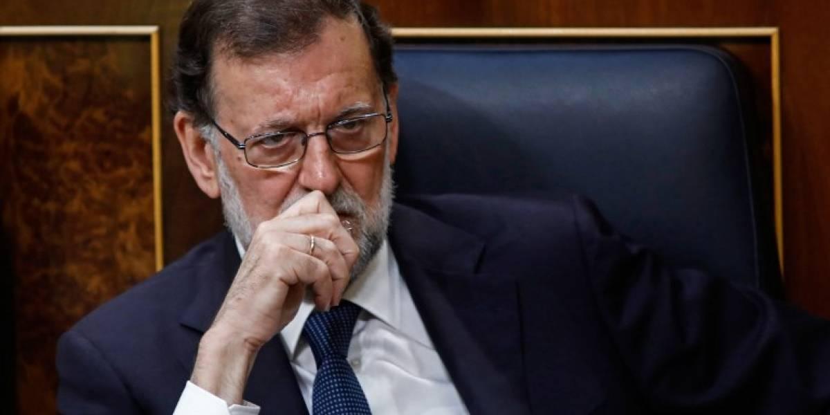 Parlamento español rechaza censurar a Rajoy