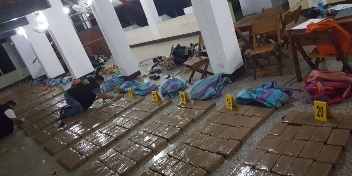 Decomisan cocaína en lanchas interceptadas en aguas del Pacífico