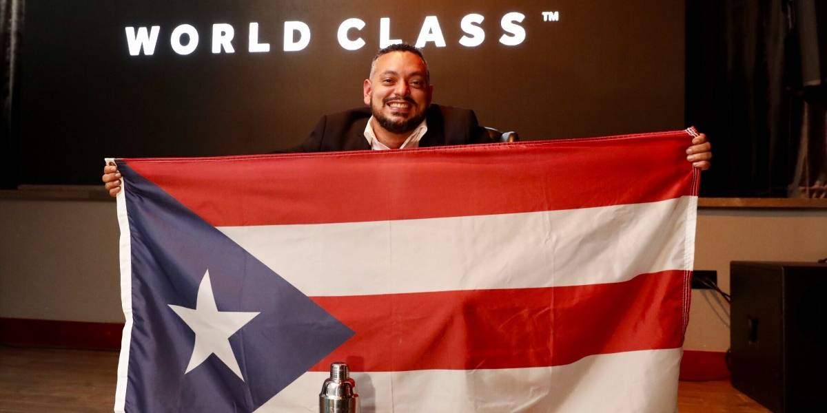 Mixólogo Edwin Borrero se corona en el World Class