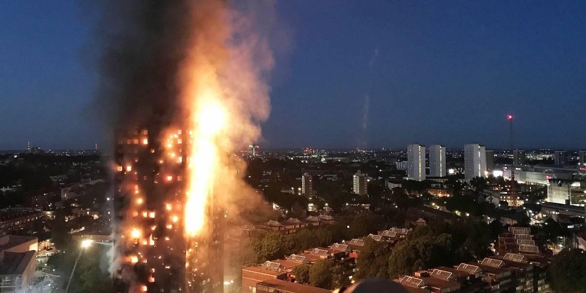 Continúa la búsqueda de víctimas del incendio en edificio de Londres